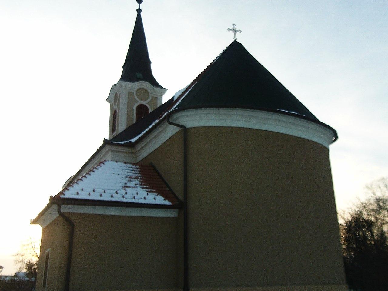 Apostagi Urunk Mennybemenetele katolikus templom - magyartemplomok.hu