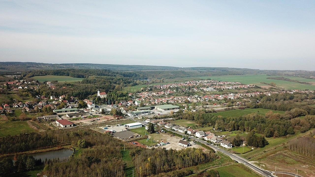 Baki Paulai Szent Ferenc katolikus templom - magyartemplomok.hu