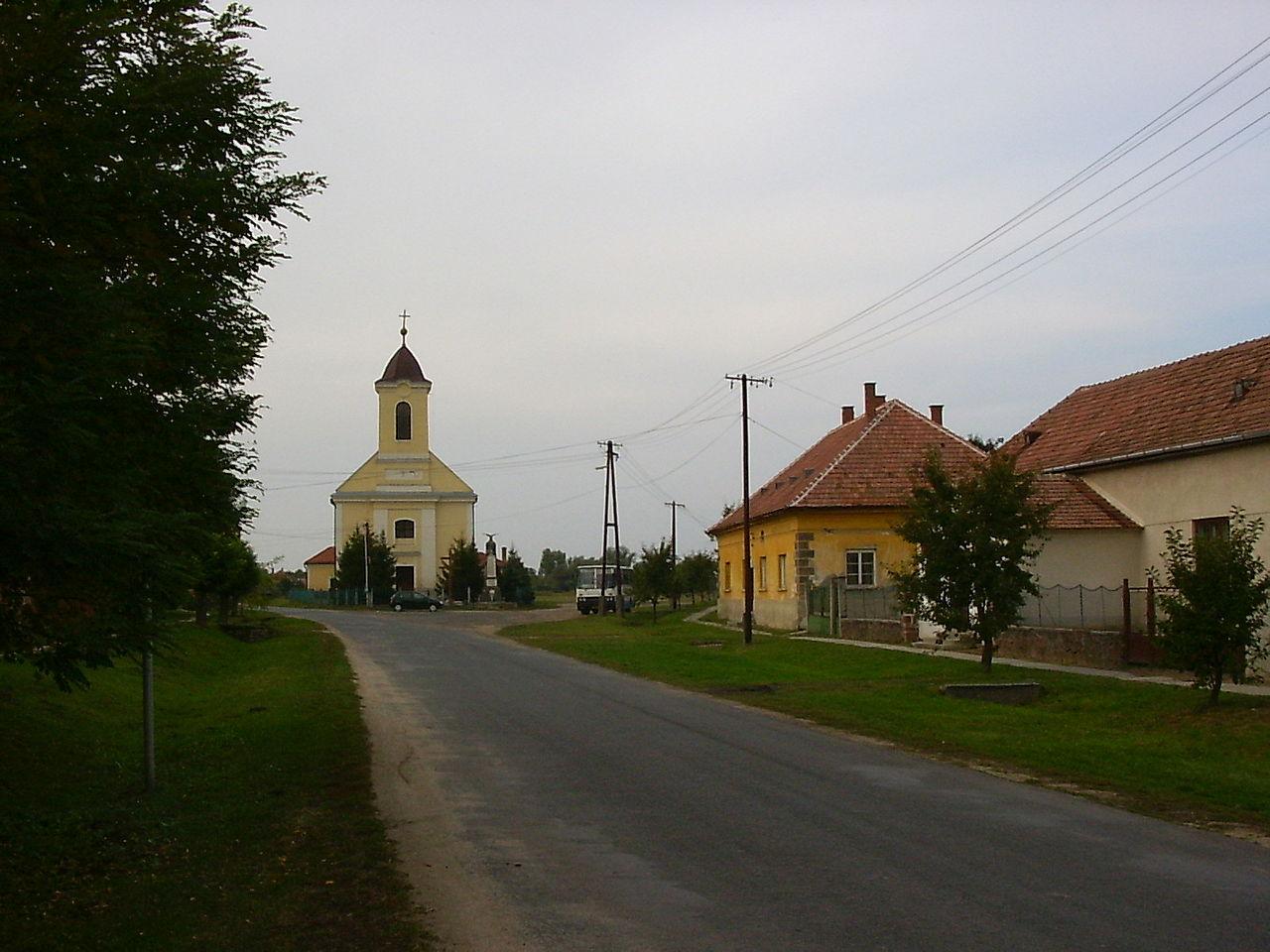 Balatonkeresztúri katolikus templom - magyartemplomok.hu